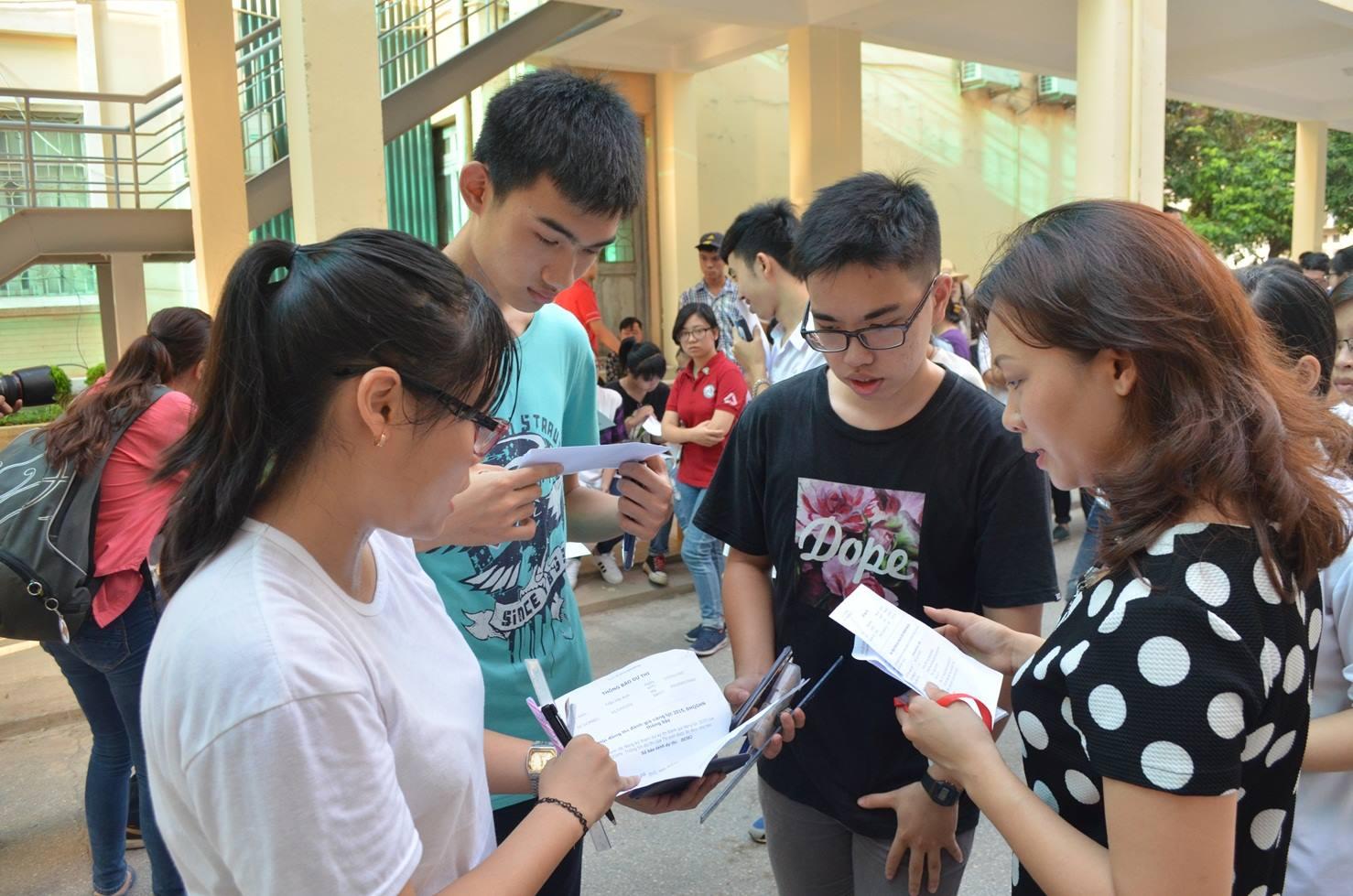 Học sinh căng thẳng với kỳ thi THPT
