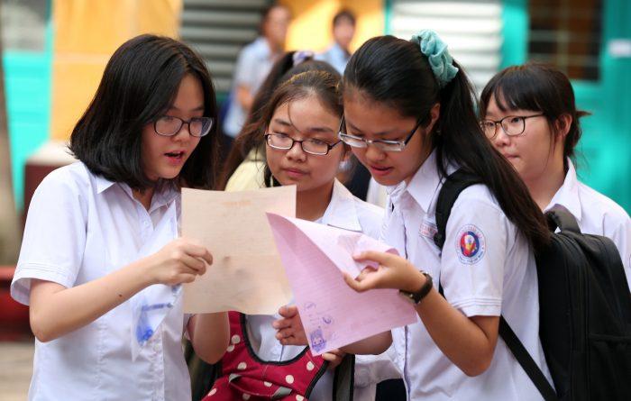 Cuộc thi vào lớp 10 năm học 2018-2019 có sự cạnh tranh lớn gây áp lực tâm lí cho học sinh