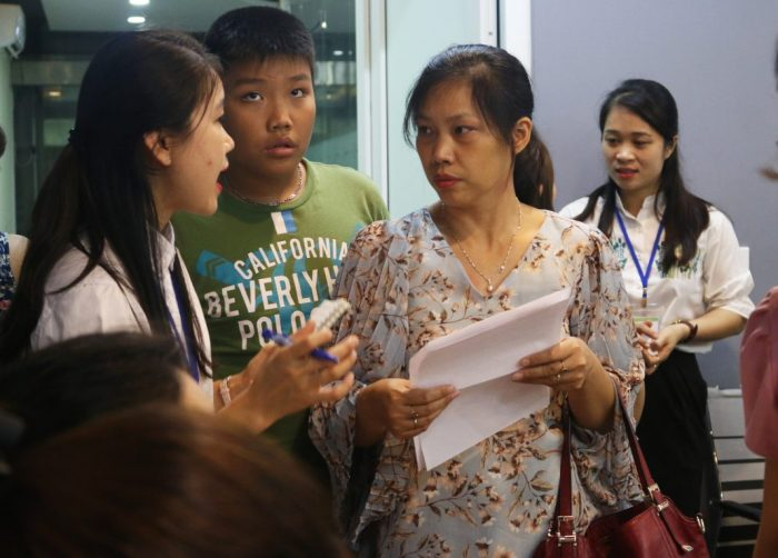 Bố mẹ cần đồng hành cùng con trong kỳ thi tuyển sinh vào 10