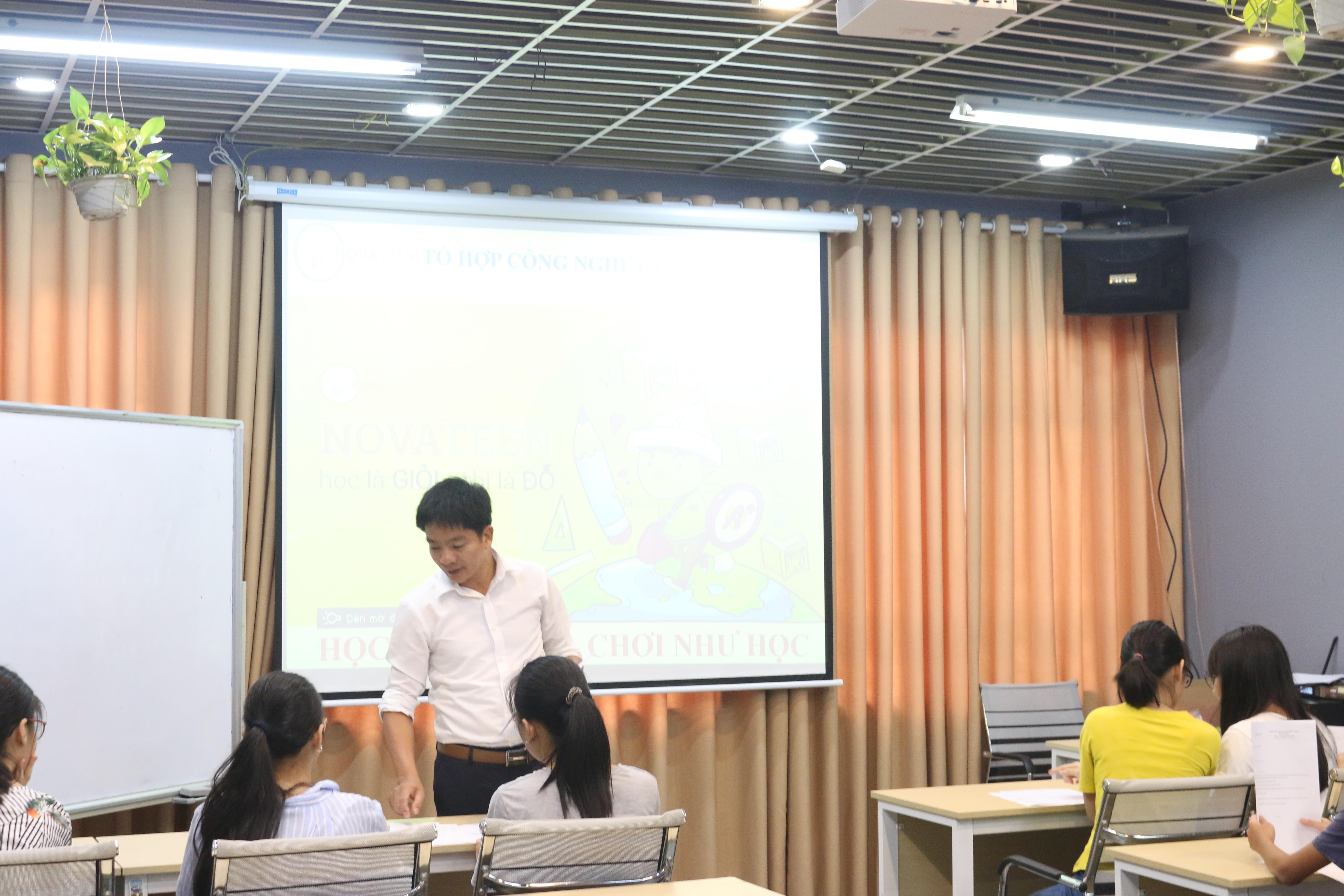 Học tập trong không khí vui vẻ, thoải mái tinh thần sẽ giúp tăng khả năng ghi nhớ kiến thức - Lớp Toán 9.101