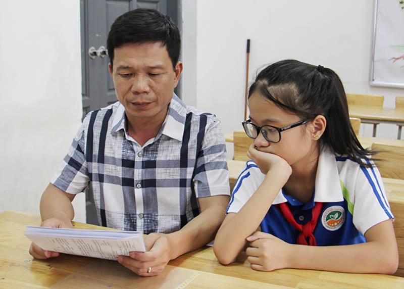 Bí quyết giúp con học giỏi là bố mẹ cùng con lập thời gian biểu