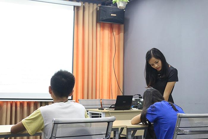 Học thêm môn Văn lớp 9 tại Novateen sẽ đạt hiệu quả với chất lượng đội ngũ thầy cô uy tín