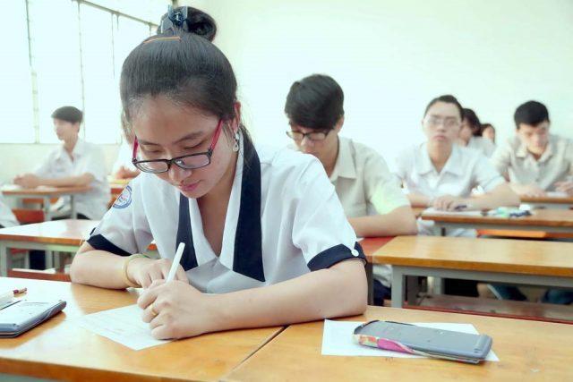 Kỳ thi càng tới gần, áp lực học sinh ngày càng cao
