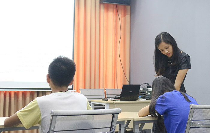 Một buổi gia sư dạy kèm kiến thức tại Novateen