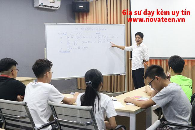Thầy Hiếu đã đào tạo nhiều học sinh giỏi các cấp Tỉnh, Thành phố, Quốc Gia.