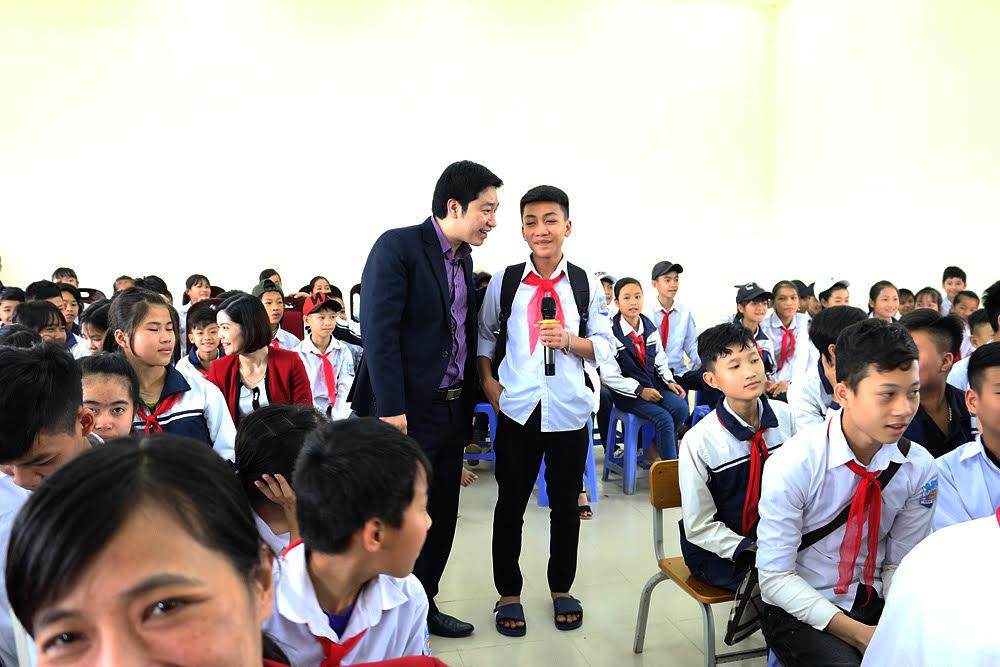 Học sinh tham gia trả lời về giới tính và nạn tảo hôn
