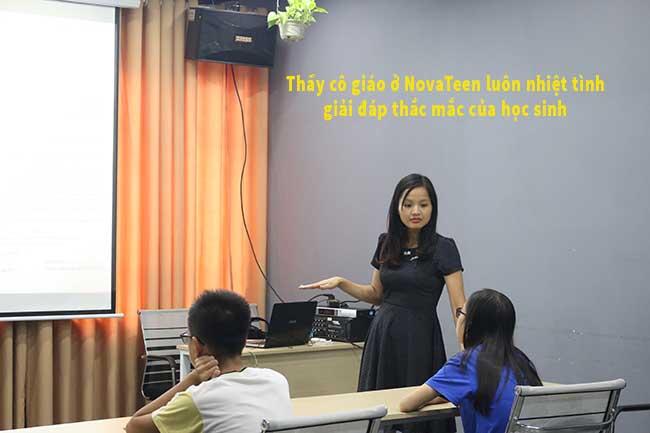 Thầy cô giáo của Trung tâm luyện thi vào lớp 10 tại NovaTeen có nhiều bí quyết giúp các em thi đỗ