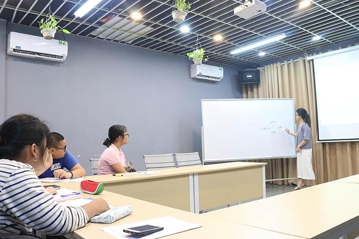 Lớp bồi dưỡng môn tiếng Anh tại NovaTeen