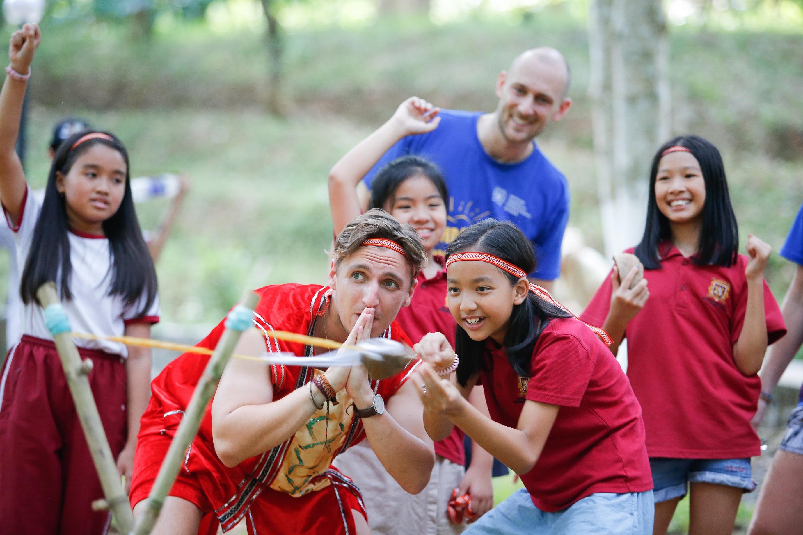 Hãy tạo cho trẻ một mùa hè rực rỡ sau những tháng ngày học tập căng thẳng.