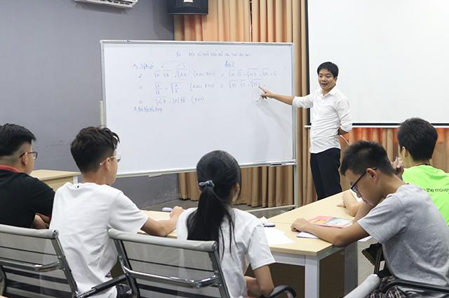 Novateen xây dựng chương trình giáo dục cam kết đỗ vào 10 cho học sinh THCS.