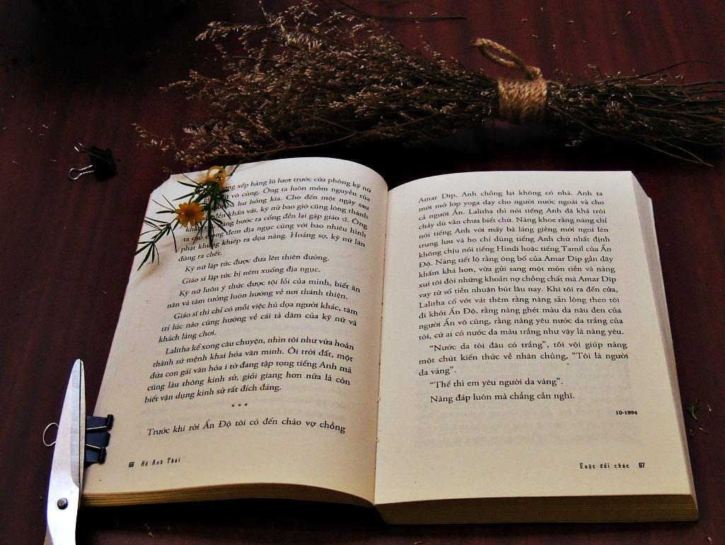Đọc nhiều sách cũng giúp bạn học giỏi Ngữ Văn 7 hơn.