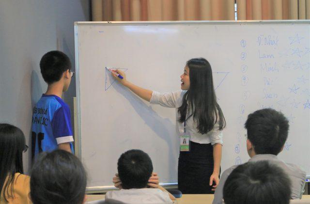 Ôn luyện khối trung học cơ sở theo chương trình cam kết chất lượng tại Novateen.