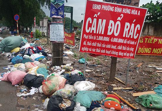 Xả rác bừa bãi là một hành động xấu đáng bị lên án