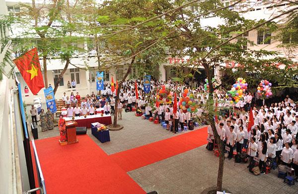 Lễ bế giảng ở một trường THCS