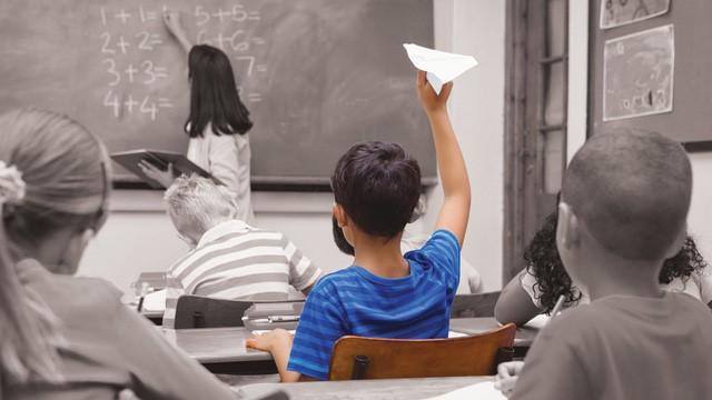 Trẻ mất tập trung, xao nhãng trong học tập