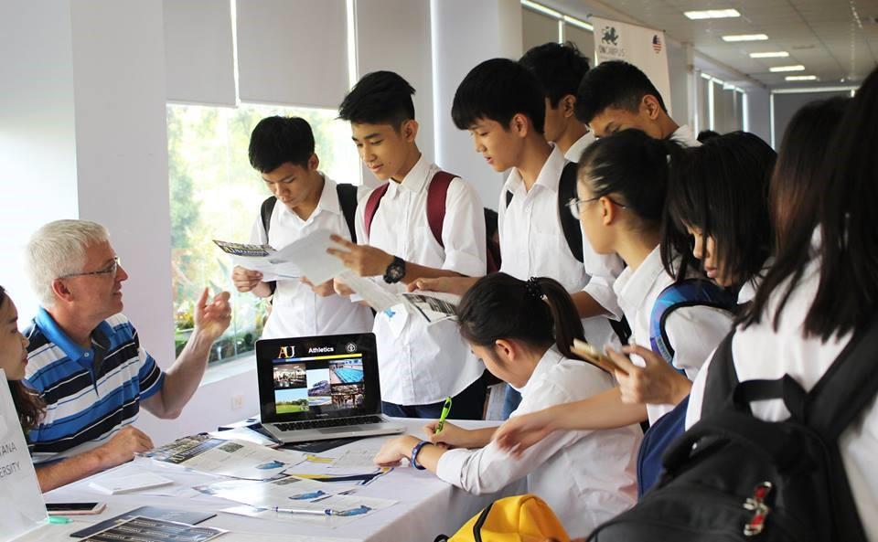 5 lí do khiến trường chuyên thu hút học sinh