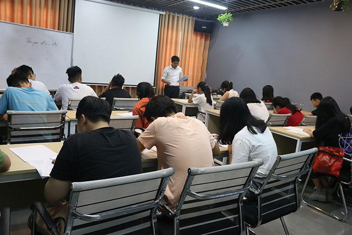 Lớp luyện thi vào 10 hiệu quả tại Novateen